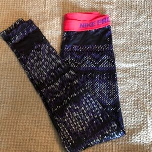 Nike Pro full length leggings / Tights size Small